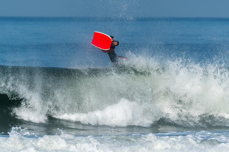 Imagens: Uma manobra avançada de bodyboard Foto: Shutterstock