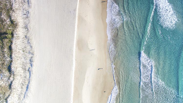 Ondulação: verifique a intensidade e a direção das ondas antes de remar. Foto: Shutterstock