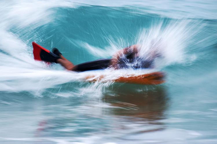Bodyboarder: Ter alguém observando seus movimentos pode ajudá-lo a melhorar mais rápido. Foto: Shutterstock