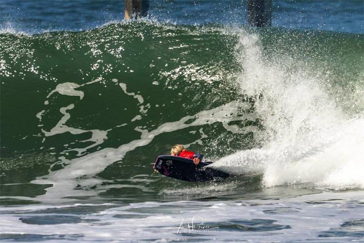 Vicki Reale: Uma bela reviravolta na Ocean Beach em San Diego |  Foto: Tony Prince