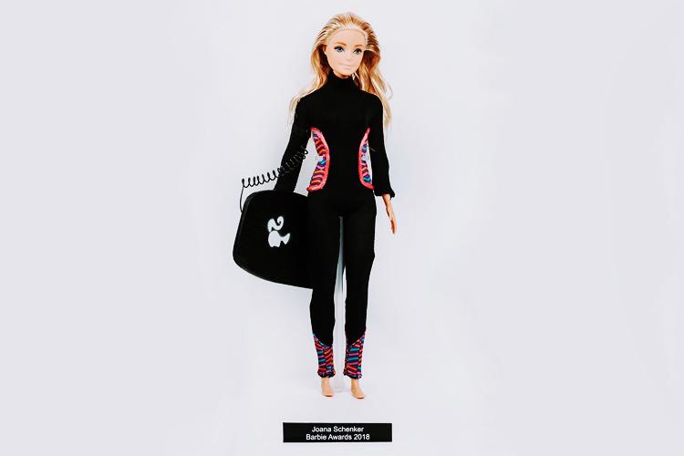 Barbie: A famosa boneca, inspirada em Joana Schenker, está pronta para fazer ondas Foto: Barbie