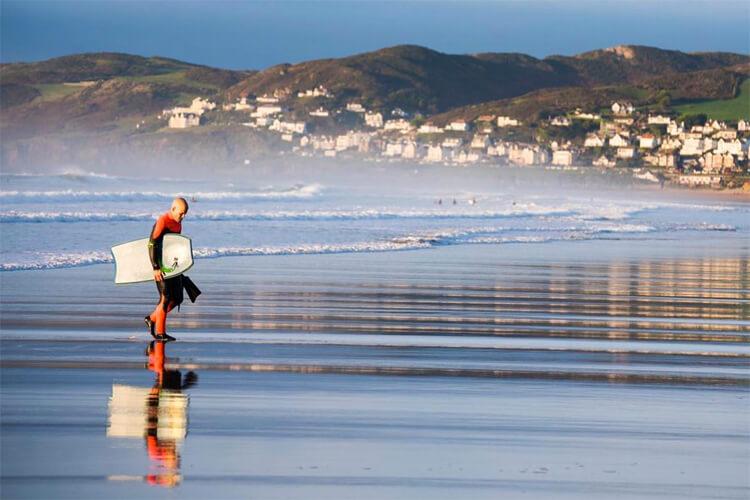 Reino Unido: Existem muitos locais excelentes para surf e boas ondas durante todo o ano. Foto: Férias de Bodyboard