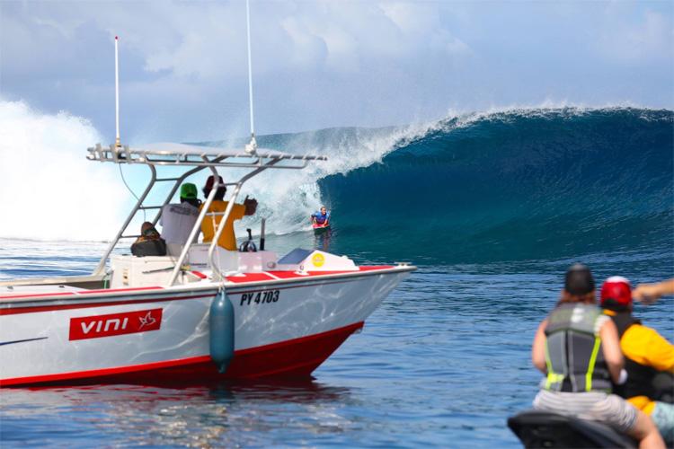 Teahupoo: o APB World Tour retorna ao Taiti em 2018 Foto: Alex Leon