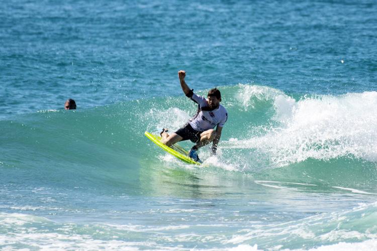 Zachary Armytage: Ganhou o título desde o joelho    Foto: Smith / Surf Australia