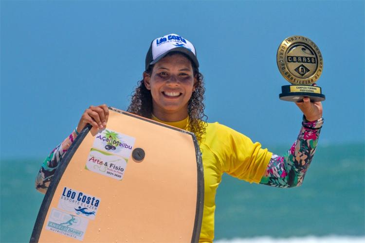 Maira Viana: conquistou seu primeiro título brasileiro de bodyboard. Foto: Rodrigues / CBRASB