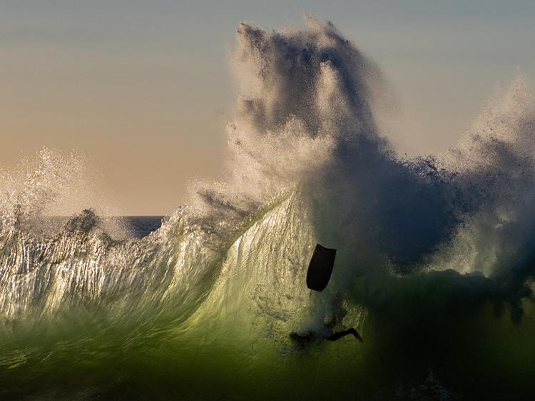 The Backwash: uma onda louca e rara quebrando perto de Bunbury, perto da Austrália Ocidental Foto: Chris McRobb