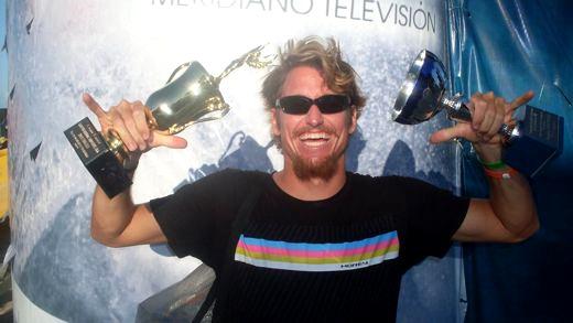 dave hubbard ganhou o titulo do iba drop knee world tour em 2009